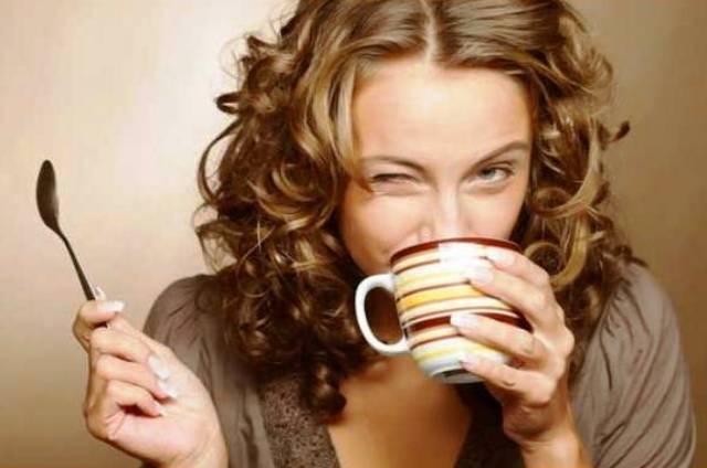 Od kakve kafe ne tamne zubi