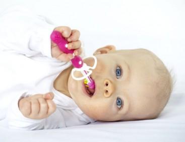 Cetkanje zuba kod beba ponedeljak