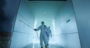 Naučnici dokazali – na ovoj površini se koronavirus najduže zadržava