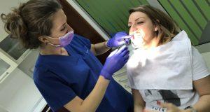 Šta se dešava u ustima gubitkom samo jednog zuba?